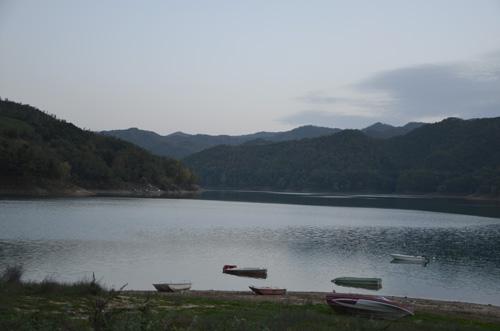 Tra i luoghi più suggestivi intorno al Lago del Salto