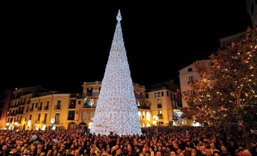 Salerno, Luci d'Artista, sabato 1 dicembre accensione dell'Albero