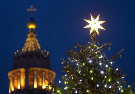 L'albero di Natale a Piazza San Pietro-ANSA