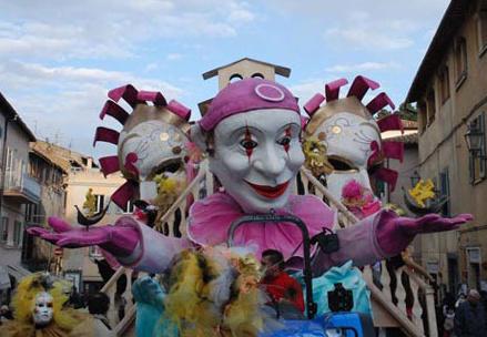 Acquapendente festeggia il Carnevale con la Fregnaccia