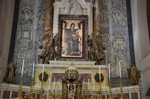 """Avellino, il 2 febbraio il pellegrinaggio dei """"femminielli"""""""