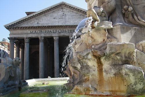 Roma, boom di turisti: nel 2012 un milione in più