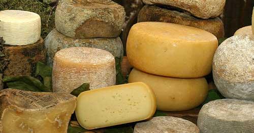 """""""The Guardian"""": i formaggi fra le 6 ragioni per visitare l'Italia"""