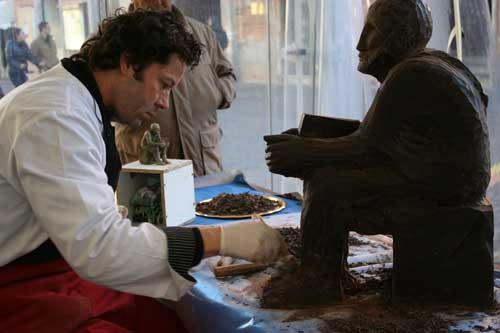 Chocofestival Rieti: asta di beneficenza per la choco-scultura di Terenzio Varrone