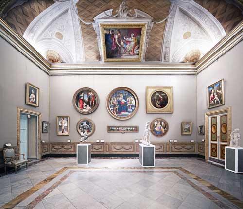 Le foto di Höfer in mostra alla Galleria Borghese di Roma