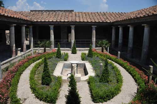 Scavi di Pompei, riapre la Casa degli Amorini Dorati