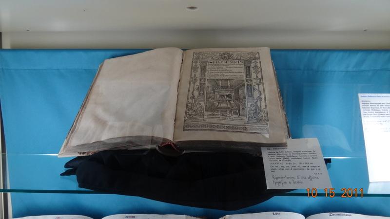 Uno dei libri del Monastero di Santa Chiara