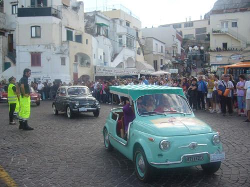 Fiat 500: raduno nazionale sull'Isola di Capri