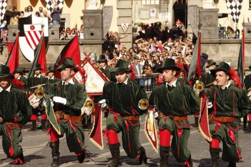 Tra rievocazioni medievali e castagne: festa a Soriano nel Cimino