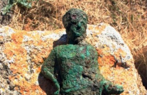 Tarquinia: riportate alla luce due rarissime statuette in bronzo
