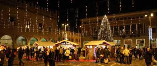 """Pesaro. Il 1 Dicembre """"24 storie di Natale"""""""