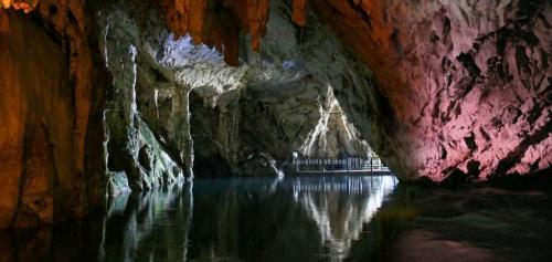 San Valentino a Salerno: Grotte di Pertosa gratis per gli innamorati
