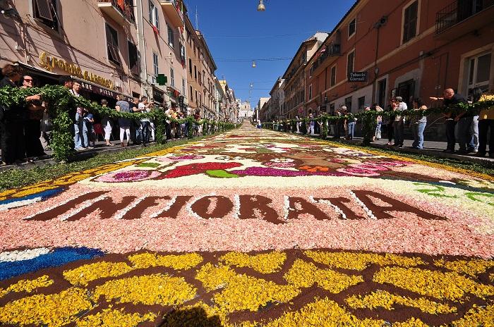 Dal 21 al 23 giugno l'Infiorata di Genzano di Roma