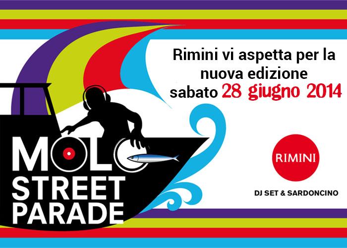 A Rimini tra dj set e sardoncino, la Molo Street Parade