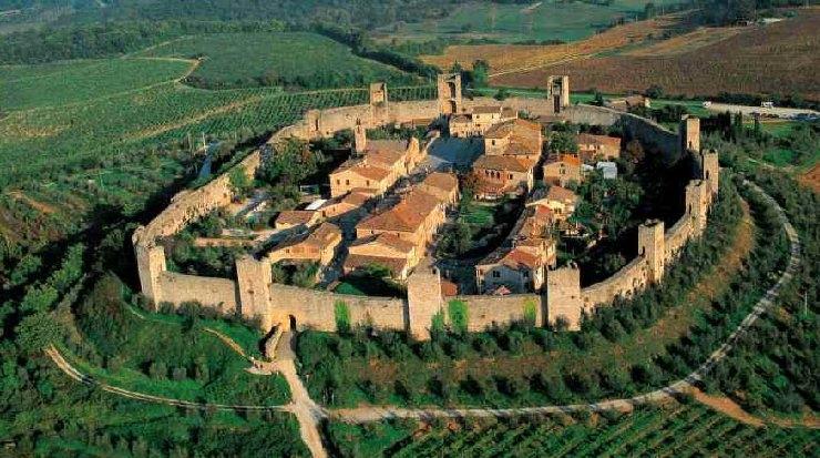 Siena: a Monteriggioni si rievocano le atmosfere del Medioevo