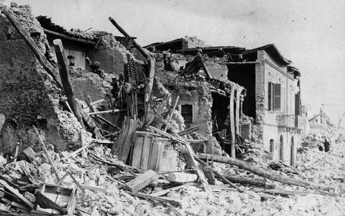 Avezzano, Italy, Earthquake of January 13, 1915.  Scenes of A...