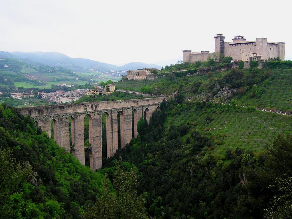 Spoleto ponte delle torri